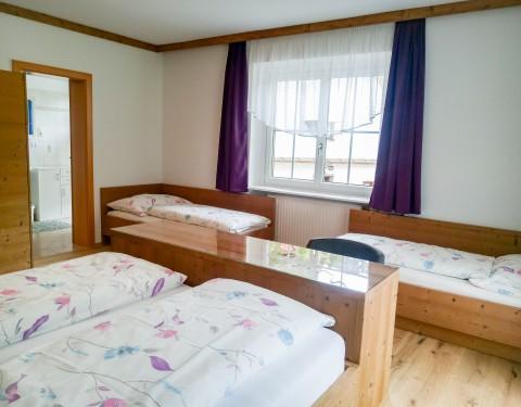 Neu renovierte Zimmer beim Mendlingbauer - Urlaub am Bauernhof
